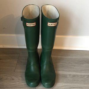 Tall green Hunter rainboots